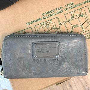 Marc Jacobs leather grey wallet